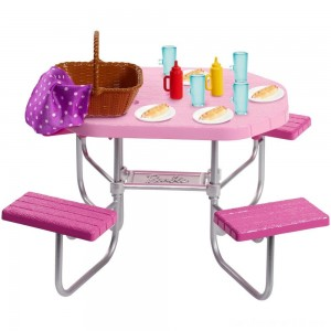 Black Friday - Barbie Picnic Table Accessory
