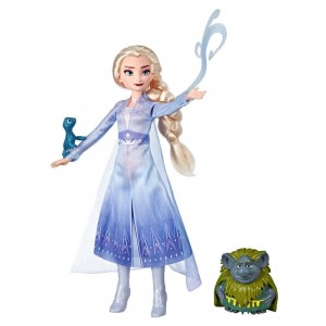 Disney Frozen 2 Elsa Fashion Doll In Travel Outfit With Pabbie and Salamander Figures