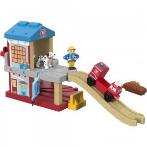 Fisher-Price Thomas & Friends Wood Eco Rescue Firehouse Set