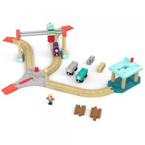 Black Friday - Fisher-Price Thomas & Friends Wood Lift & Load Cargo Set