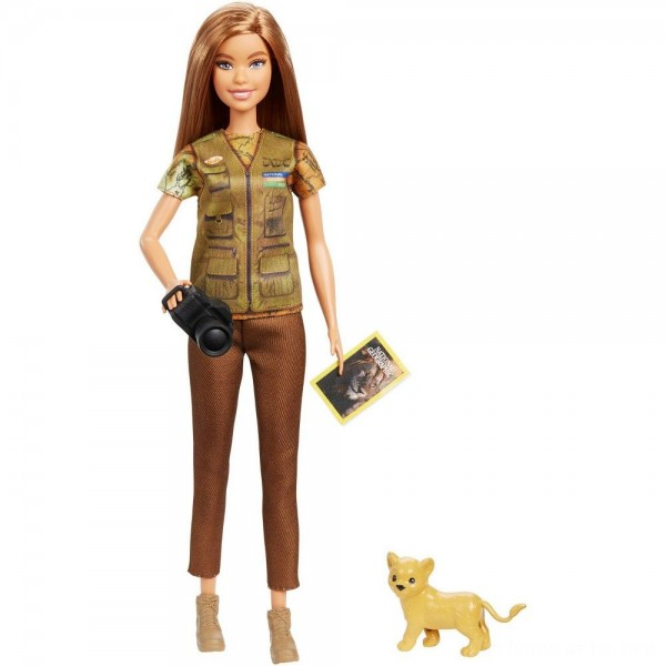 Barbie National Geographic Photographer Playset